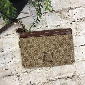 DOONEY & BOURKE Small Tan Brown Change Wallet